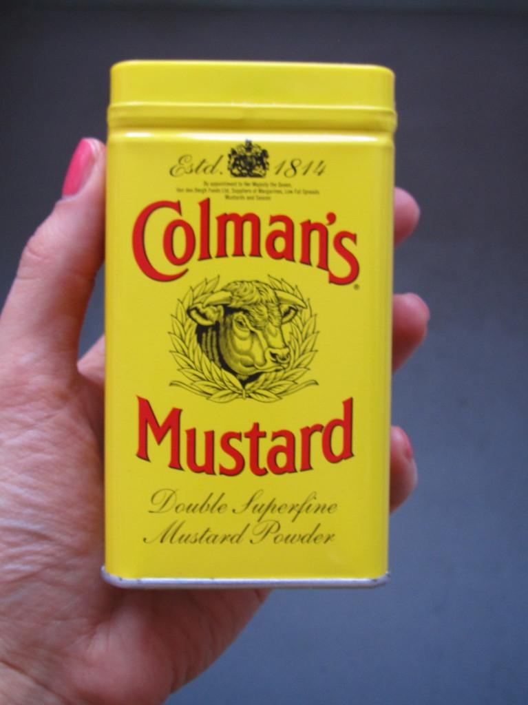 Mooie verpakkingen - Colman's Mustard mosterdpoeder // photo: VAN BRITT
