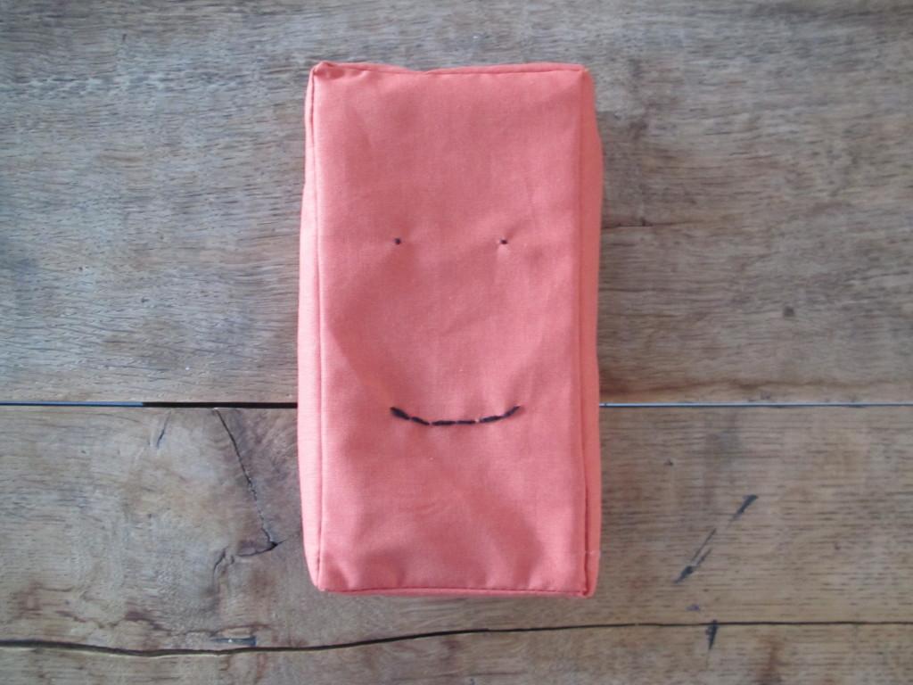 'Bakkus', a brick to cuddle with / 'Bakkus', de stoffen baksteenknuffel // VAN BRITT