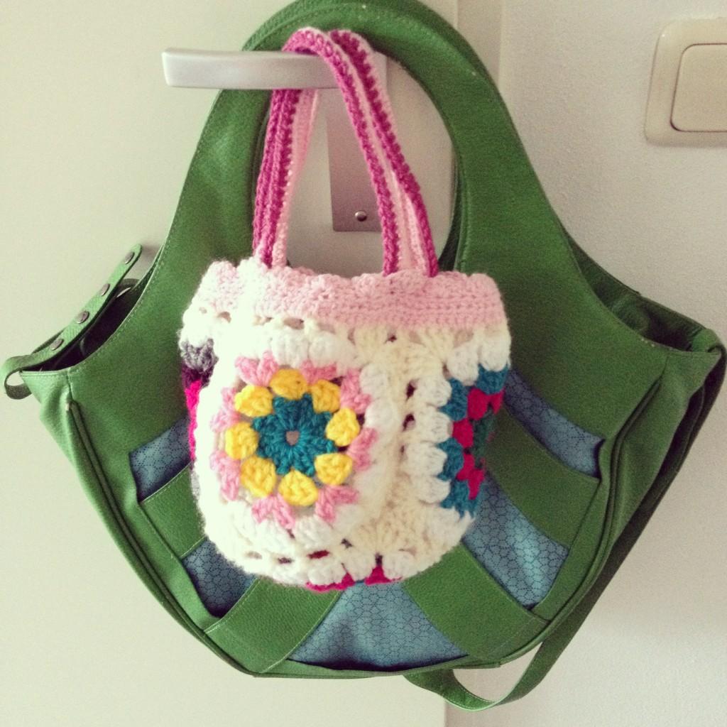 Crochet bag / Gehaakt tasje // Willeke Beex, foto: VAN BRITT