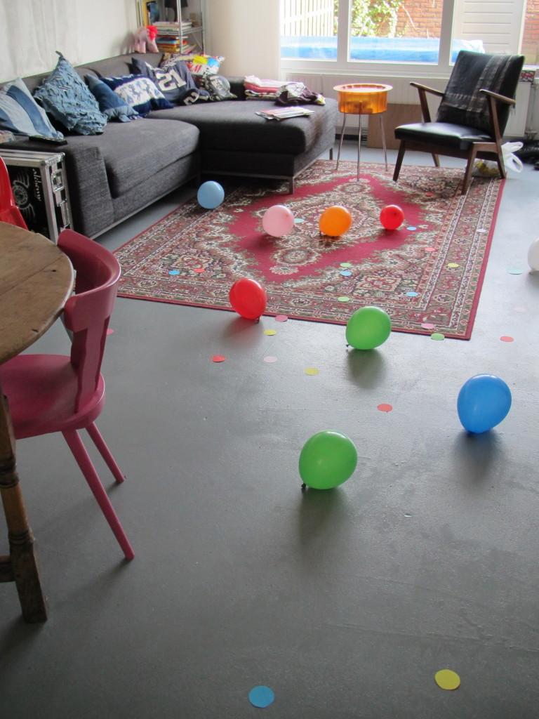 XL Confetti & balloons on the floor / XL Confetti & ballonnen op de vloer // VAN BRITT