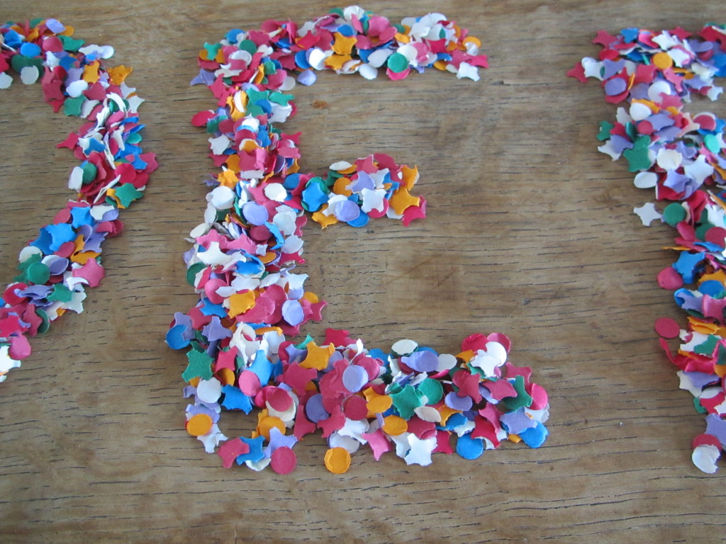 Letters made with confetti / Letters gemaakt van confetti // VAN BRITT