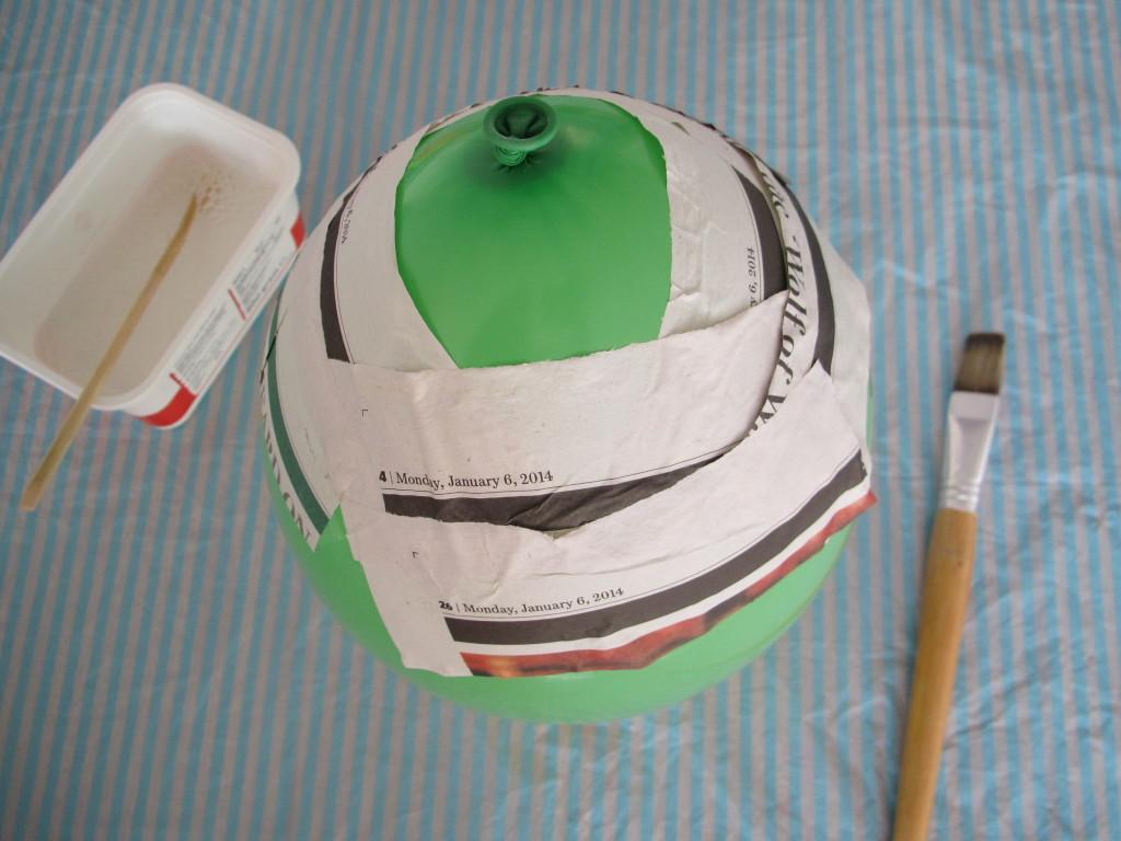 How to make a piñata / Hoe maak je een piñata? // VAN BRITT