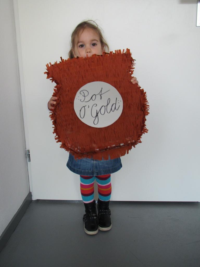 Pot O'Gold piñata / Pot met goud piñata? // VAN BRITT