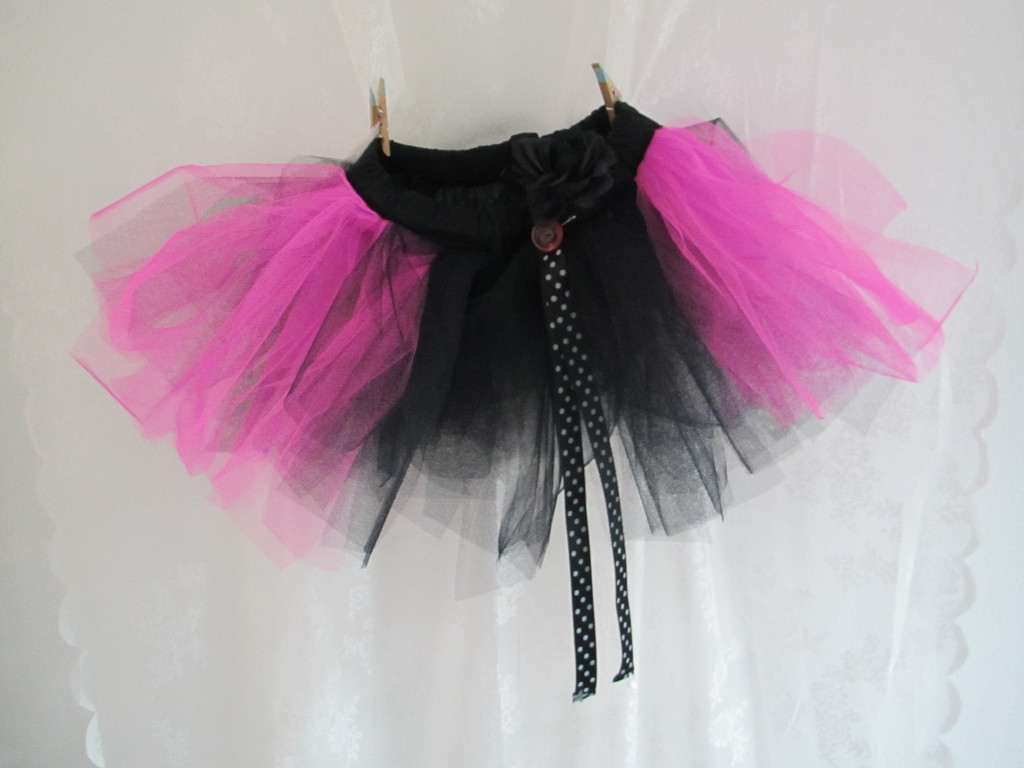 Black and pink tutu / Zwart met roze tutu // VAN BRITT