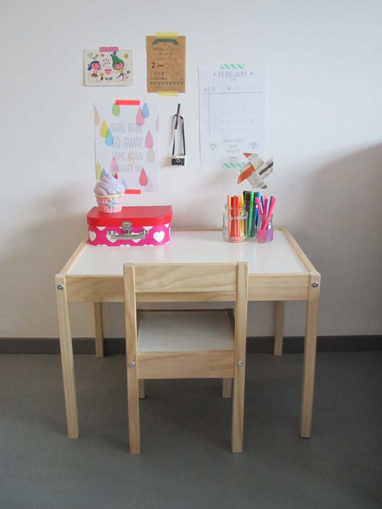 Little desk / Stevie's kleine bureautje // VAN BRITT
