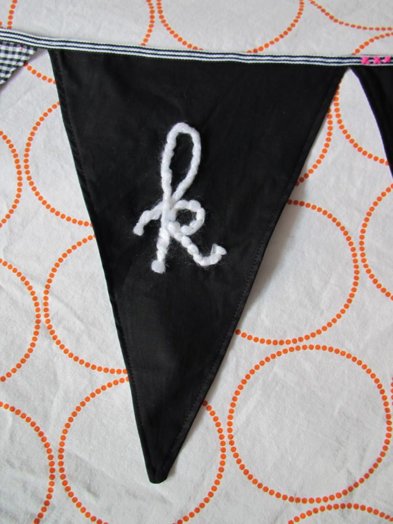 Black and white banner, fabric / Stoffen banner, zwart en wit // VAN BRITT