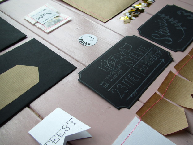 Invitations, stationary, black, white, kraft paper / Uitnodigingen, briefpapier, zwart, wit, kraft papier // VAN BRITT