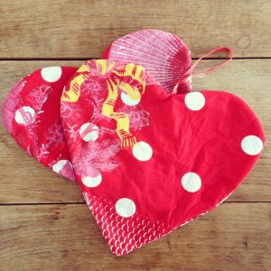 Fabric hearts / Stoffen hartjes // VAN BRITT