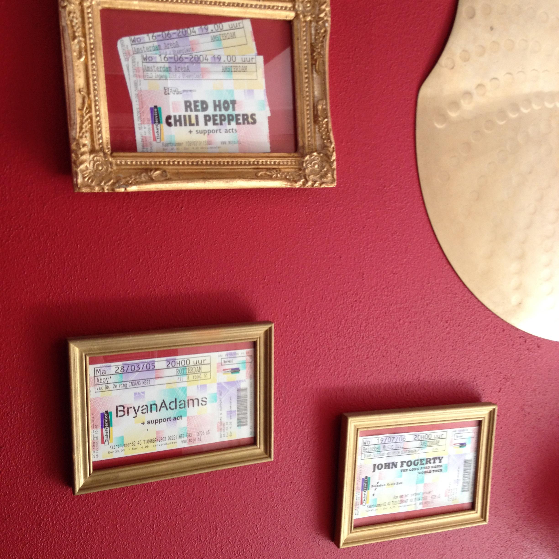 Concert tickets, on the wall, golden frames / Concertkaartjes, aan de muur, goudkleurige lijsten // VAN BRITT