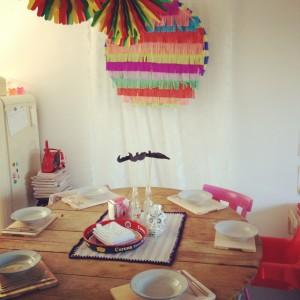 Round piñata, colorful / Ronde piñata, veelkleurig // VAN BRITT