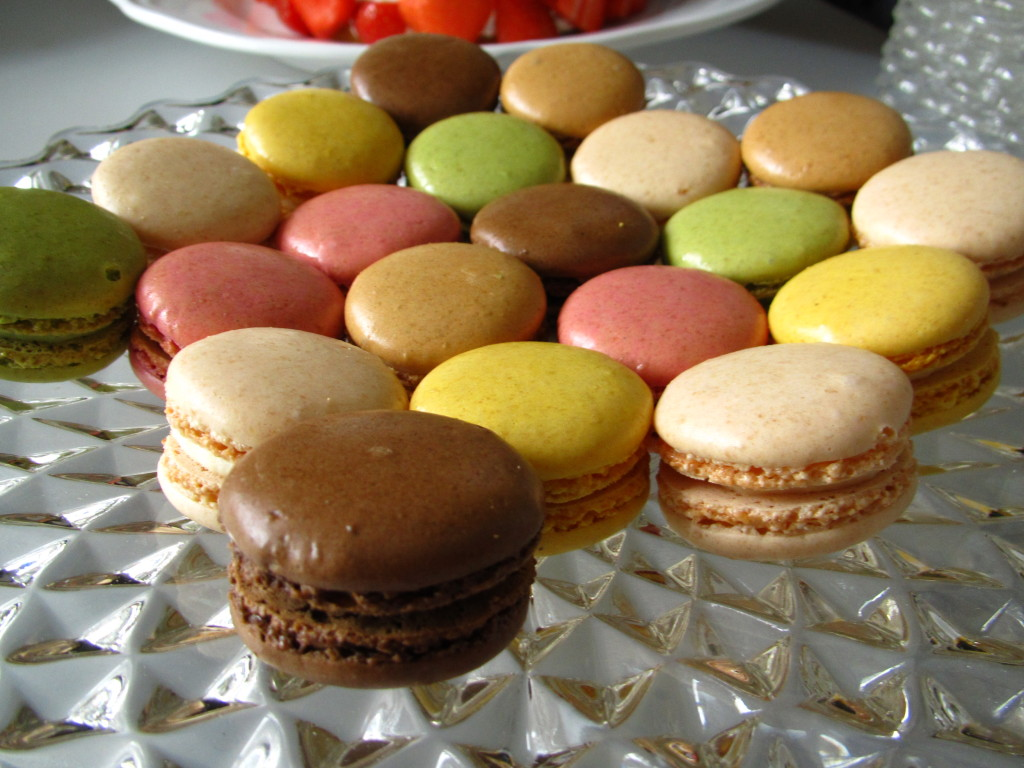 Macaroons / Macarons // photo: VAN BRITT