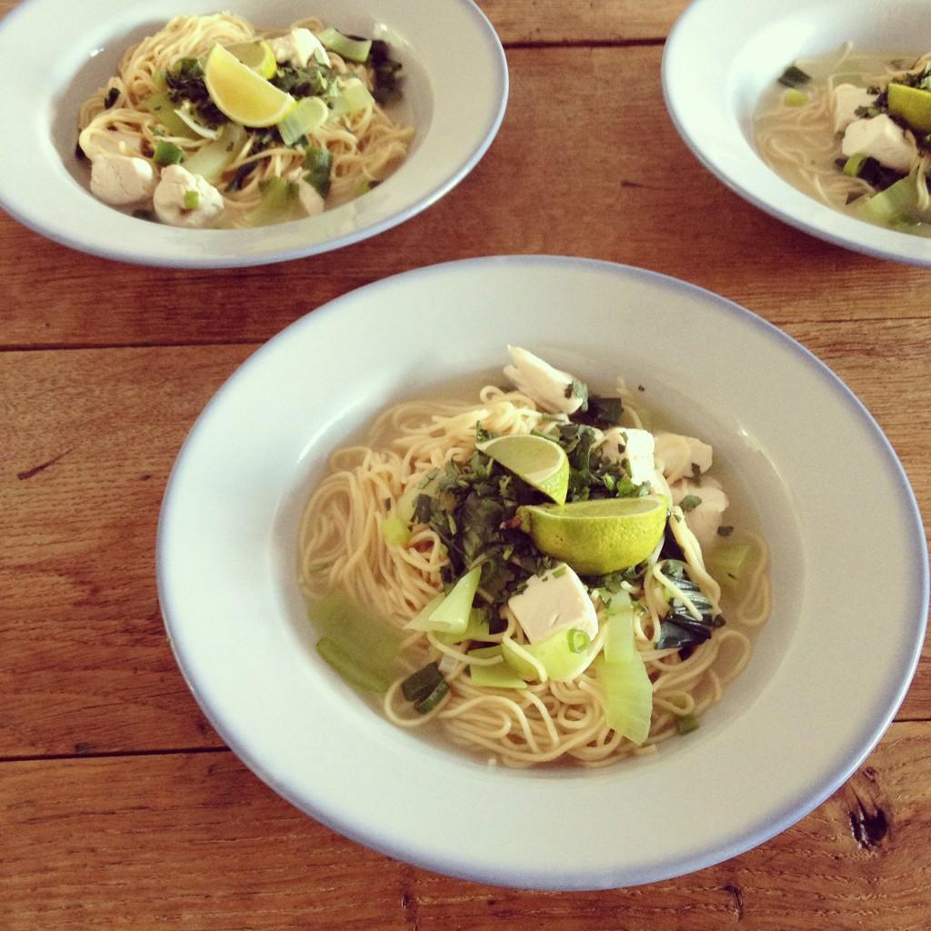 Easy noodle soup with coconut, ginger and lemongrass / Simpele noedelsoep met kokos, gember en citroengras // VAN BRITT