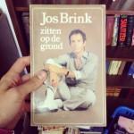 'Zitten op de grond' - Jos Brink // foto: VAN BRITT