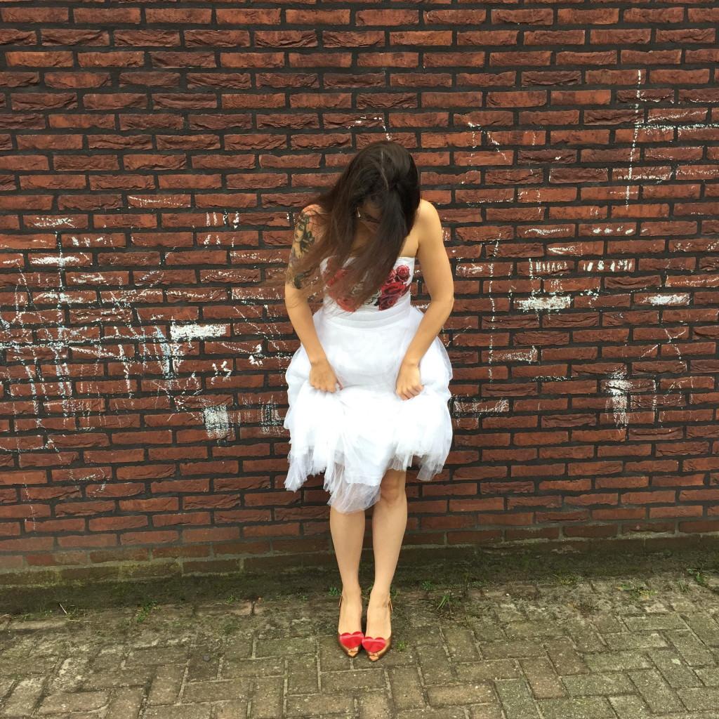 Handmade wedding dress, recycle (it's made of a mosquito net!!) / Zelfgemaakte trouwjurk, zelf maken, recycling (gemaakt van een klamboe!!) // VAN BRITT