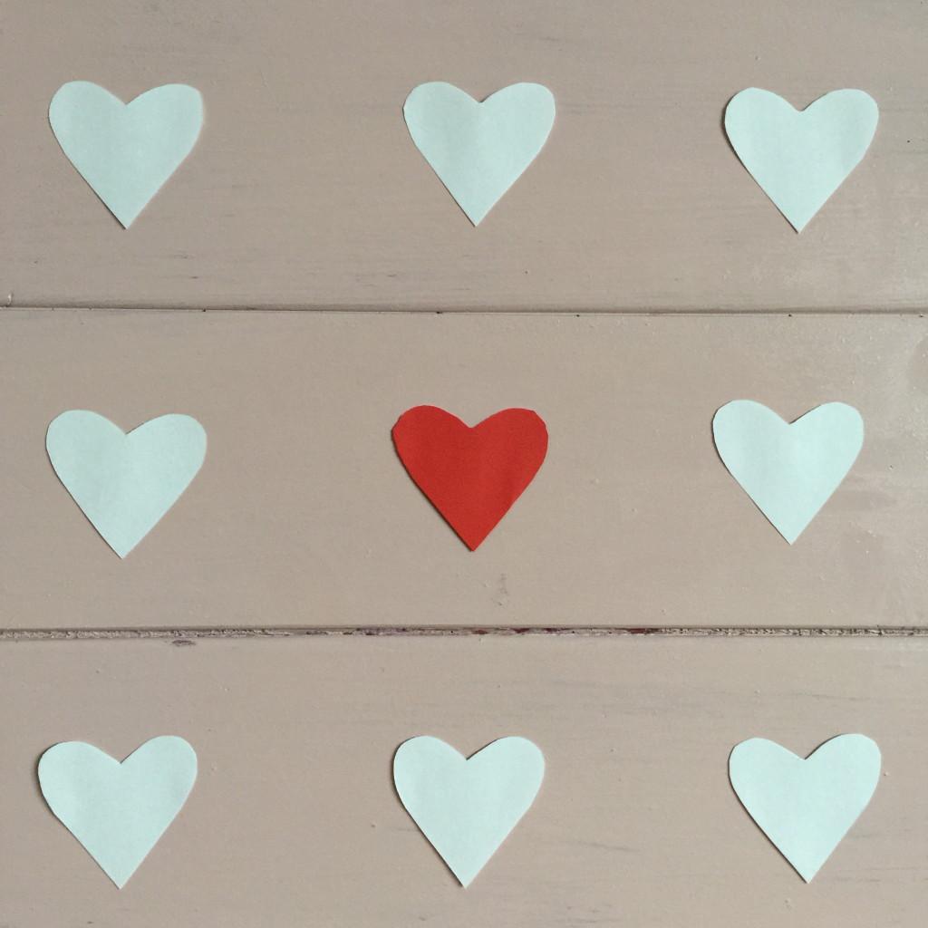 Hearts decoration, Valentine's Day, diy / Hartjesbord, Valentijn, zelfmaker // VAN BRITT
