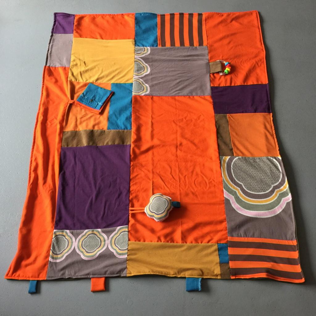 Playmat, blanket, made of old clothes and fabrics, retro, diy /  Retro speelkleed, deken, gemaakt van oude kleding en stoffen, retrolook, recycle // VAN BRITT