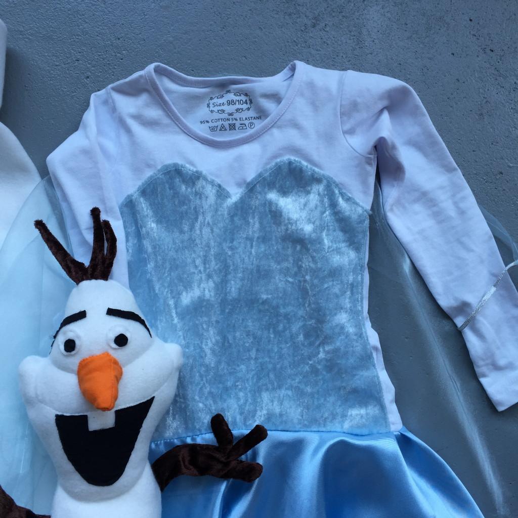 Elsa dress, Frozen, diy / zelfgemaakte Elsa-jurk, Frozen, zelfmaker // VAN BRITT
