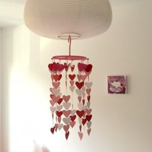 Hearts chandelier, diy, Valentine's Day / Kroonluchter met hartjes, zelfmaker, Valentijn, papercraft // VAN BRITT