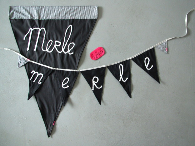 Banner in black and white, chalkboard look, diy / Vlaggenlijn in zwart en wit, schoolbordlook // VAN BRITT