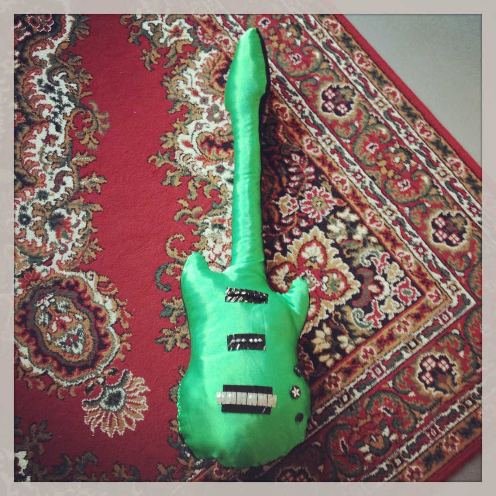 Stoffen gitaar // VAN BRITT