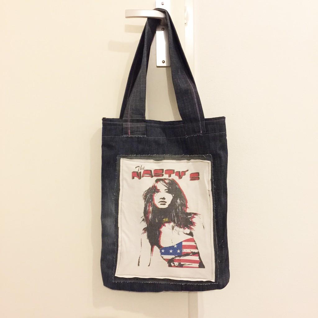 Denim bag, handmade, print: old 'favourite' T-shirt // VAN BRITT