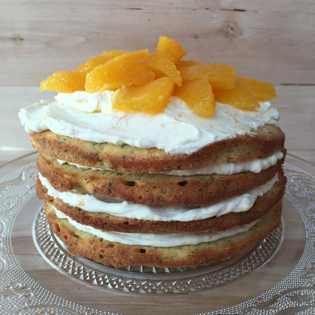 Cake with orange and poppy seeds, Easter / Taart met sinaasappel en maanzaad, Pasen // VAN BRITT