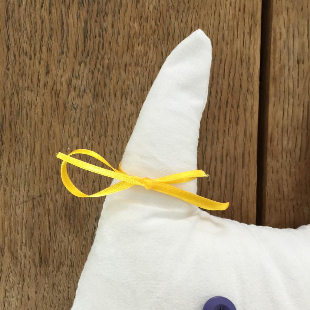 Bunny made of fabric, easy sewing for kids, Easter / Stoffen konijntje, DIY voor kinderen, Pasen // VAN BRITT