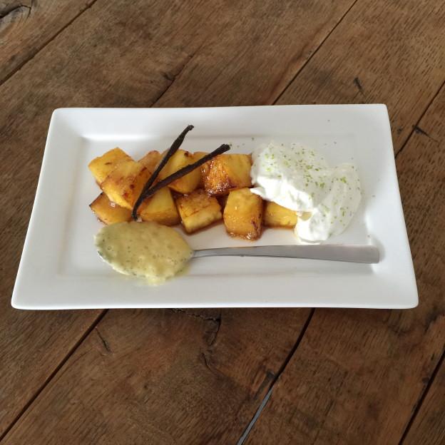 Pineapple dessert with lime and vanilla / Ananas dessert met limoen en vanille // VAN BRITT