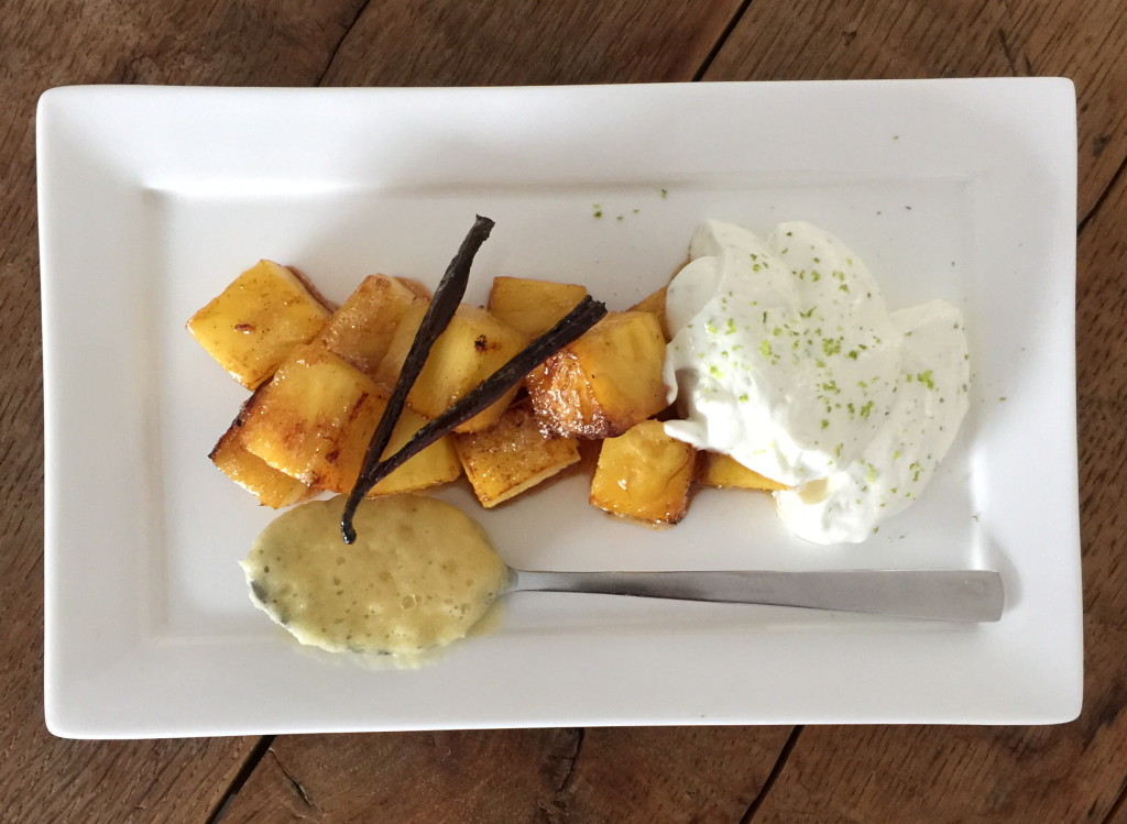 Pineapple dessert with lime and vanilla / Ananas dessert met limoen en vanille // VAN BRITT