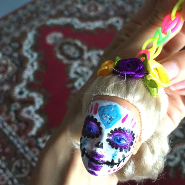 Sugar skull Barbie, keychain, diy // VAN BRITT