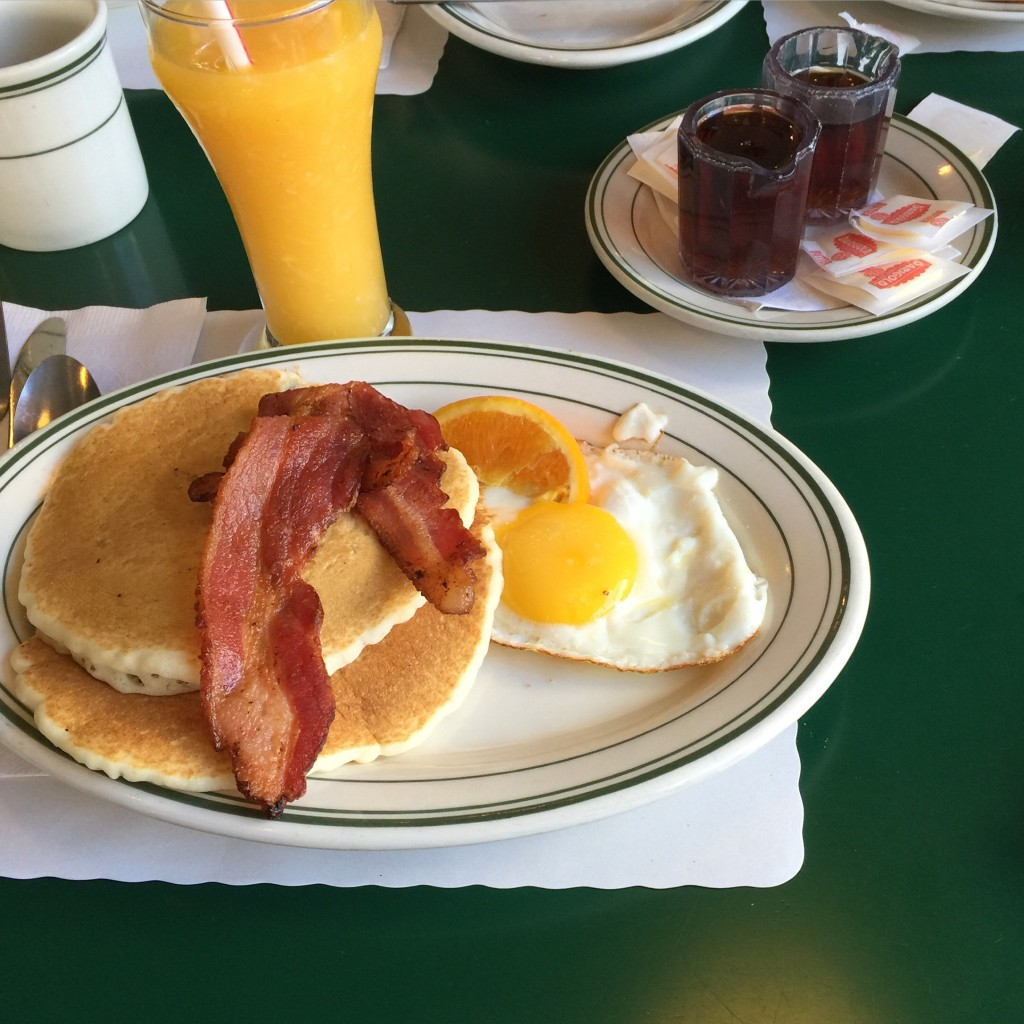 Breakfast @ Mel's Diner, San Francisco, California // photo: VAN BRITT