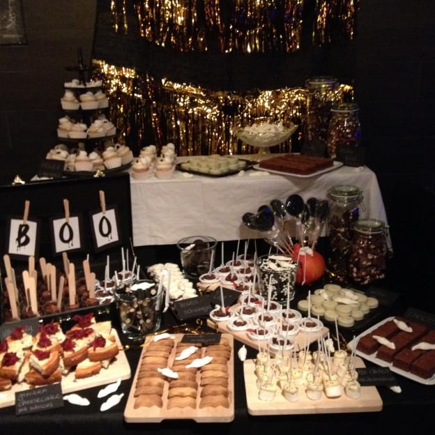 Halloween sweettable / Halloween desserttafel // VAN BRITT