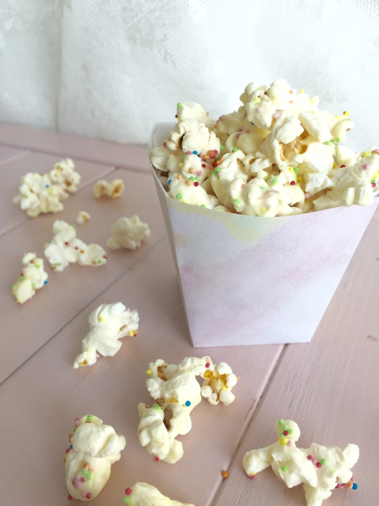 Discodop popcorn in watercolor bakje // VAN BRITT