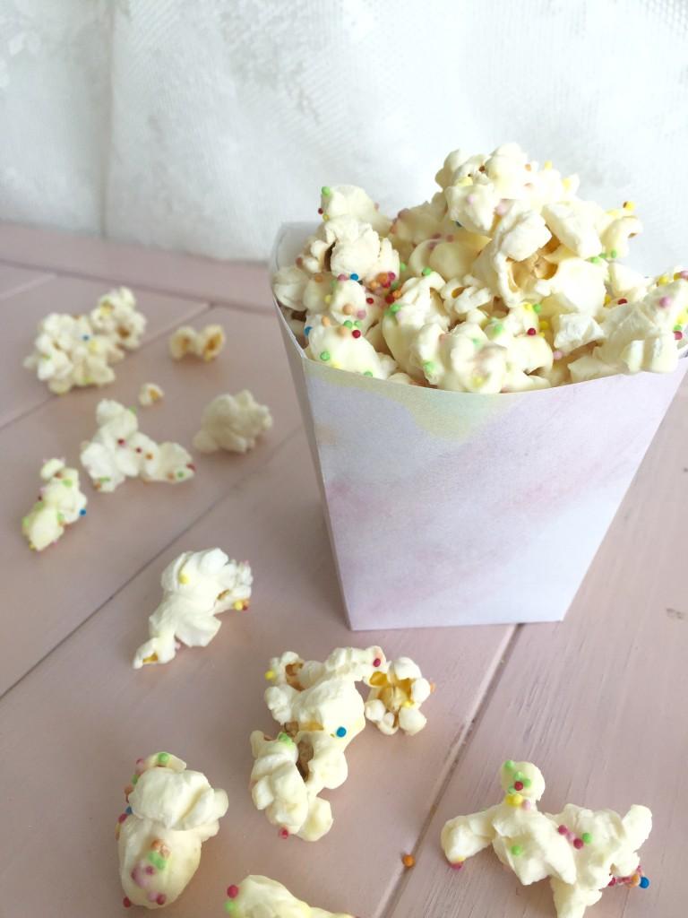 Discodop popcorn in watercolor bakje // VAN BRITT