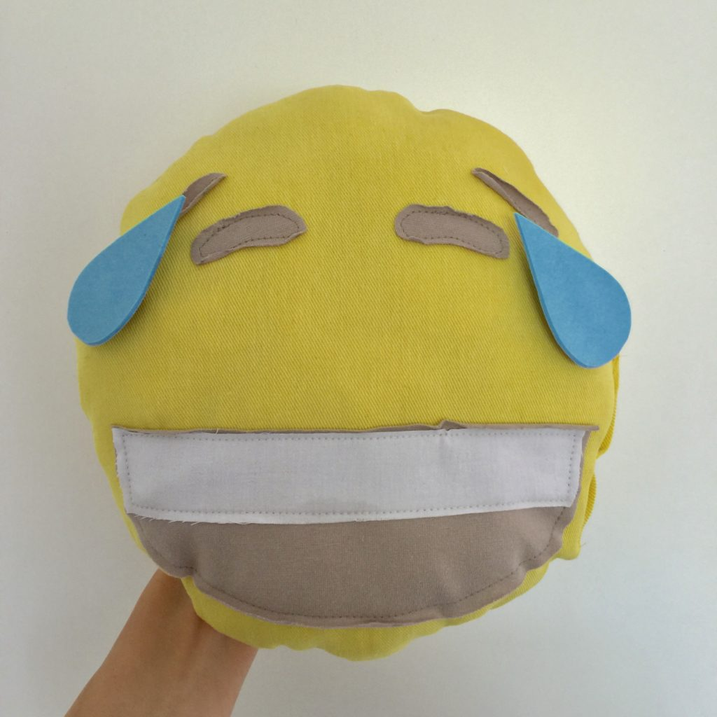 Emoticon kussen maken / Emoticon pillow tutorial // VAN BRITT