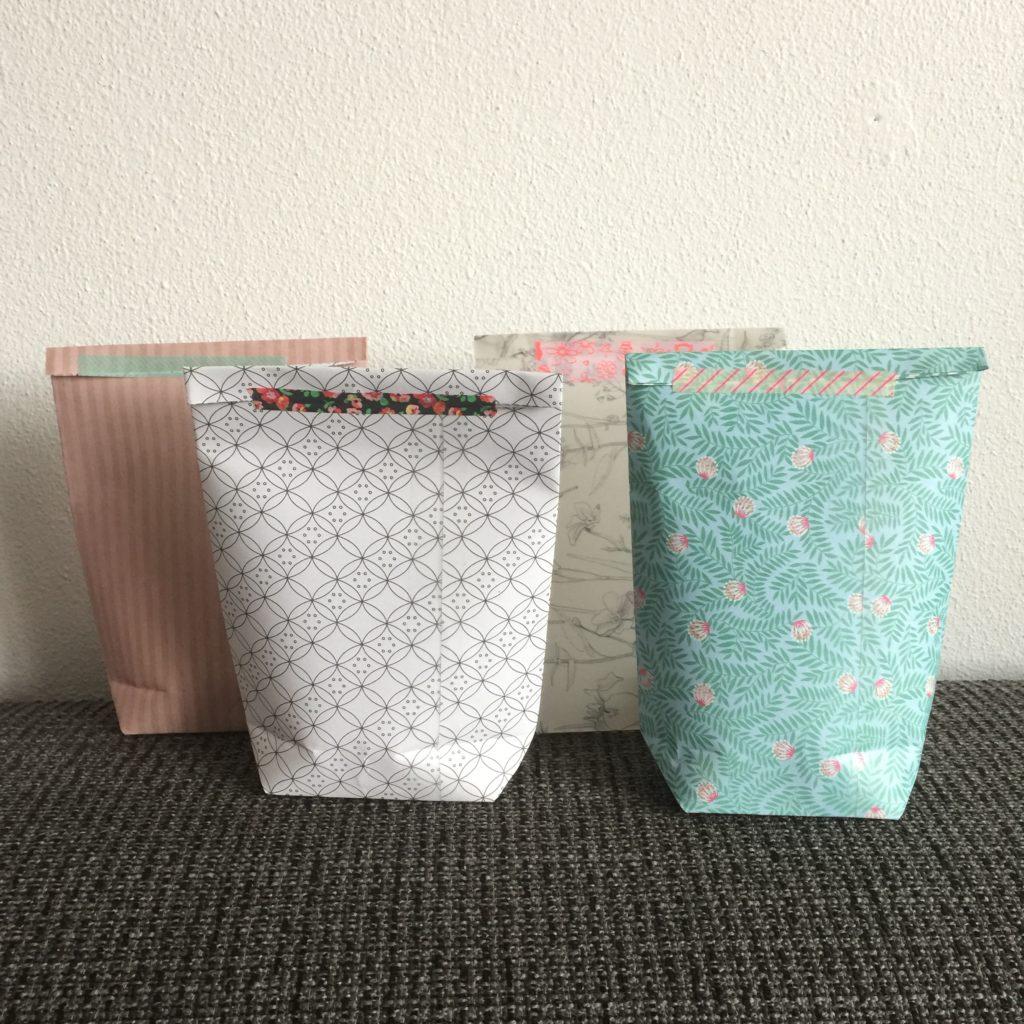 How to fold a giftbag / Hoe vouw je een cadeautasje // VAN BRITT
